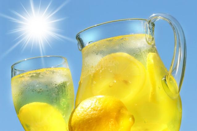 Poletna-pijača-limonada